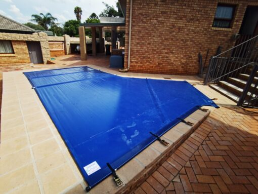 Solid PVC Swimming Pool Cover with aluminium poles